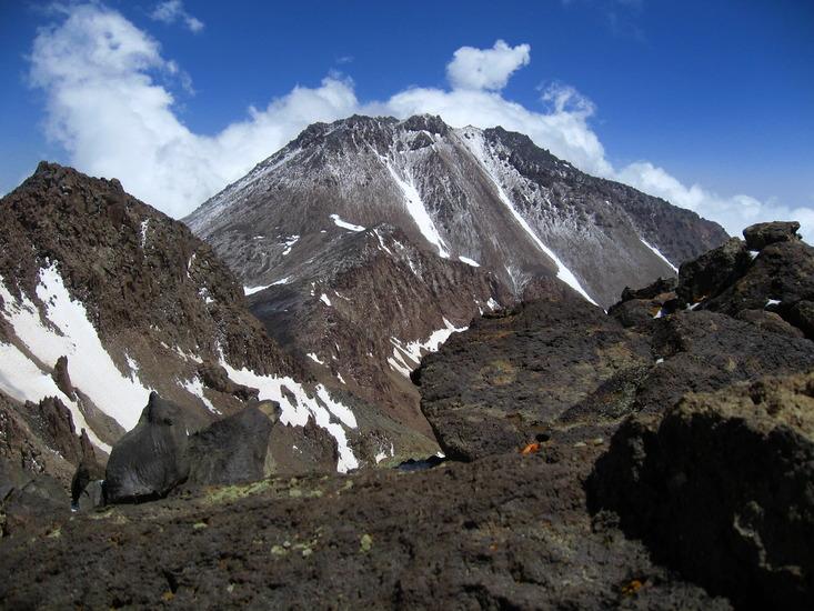 مشخصات و موقعیت جغرافیایی و شرایط آتشفشان سبلان