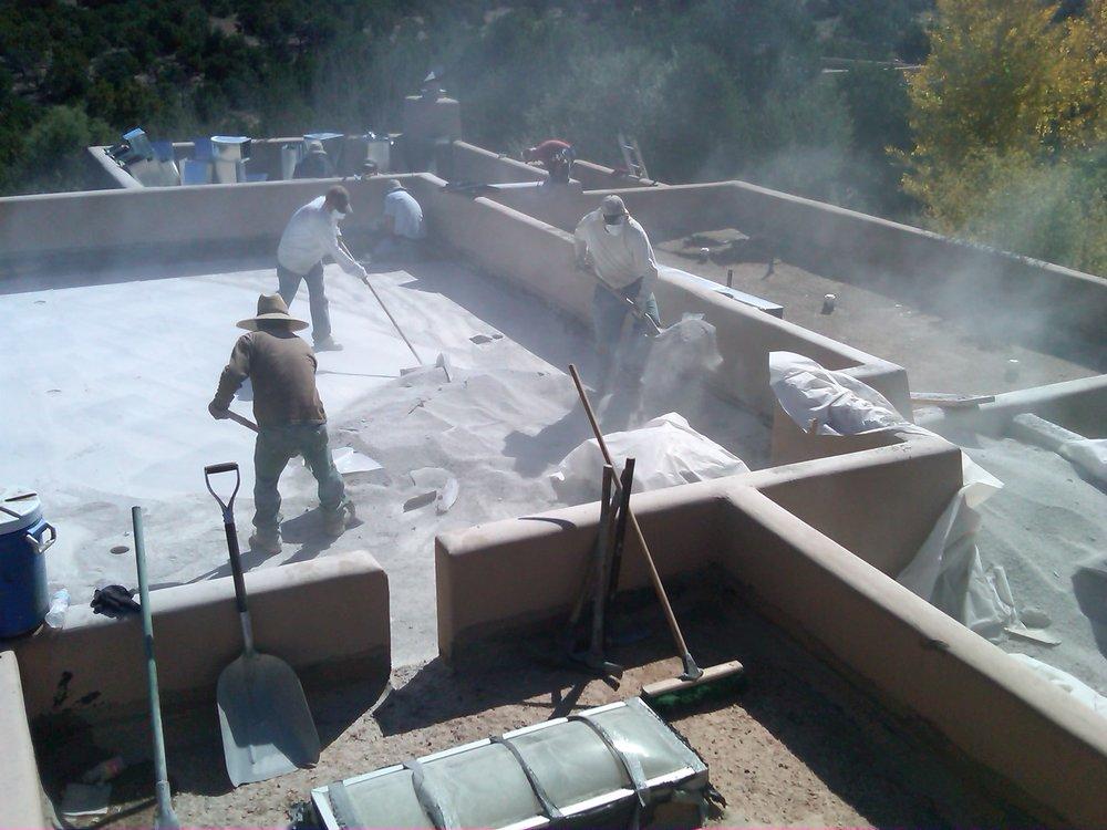 نحوهی شیب بندی پشت بام با پوکه معدنی(How to slope the roof with mineral pumice)